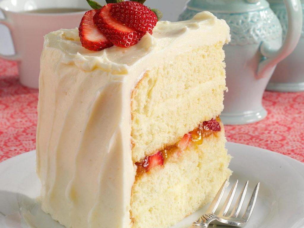 Vanilla Bean Cake + Champagne Buttercream